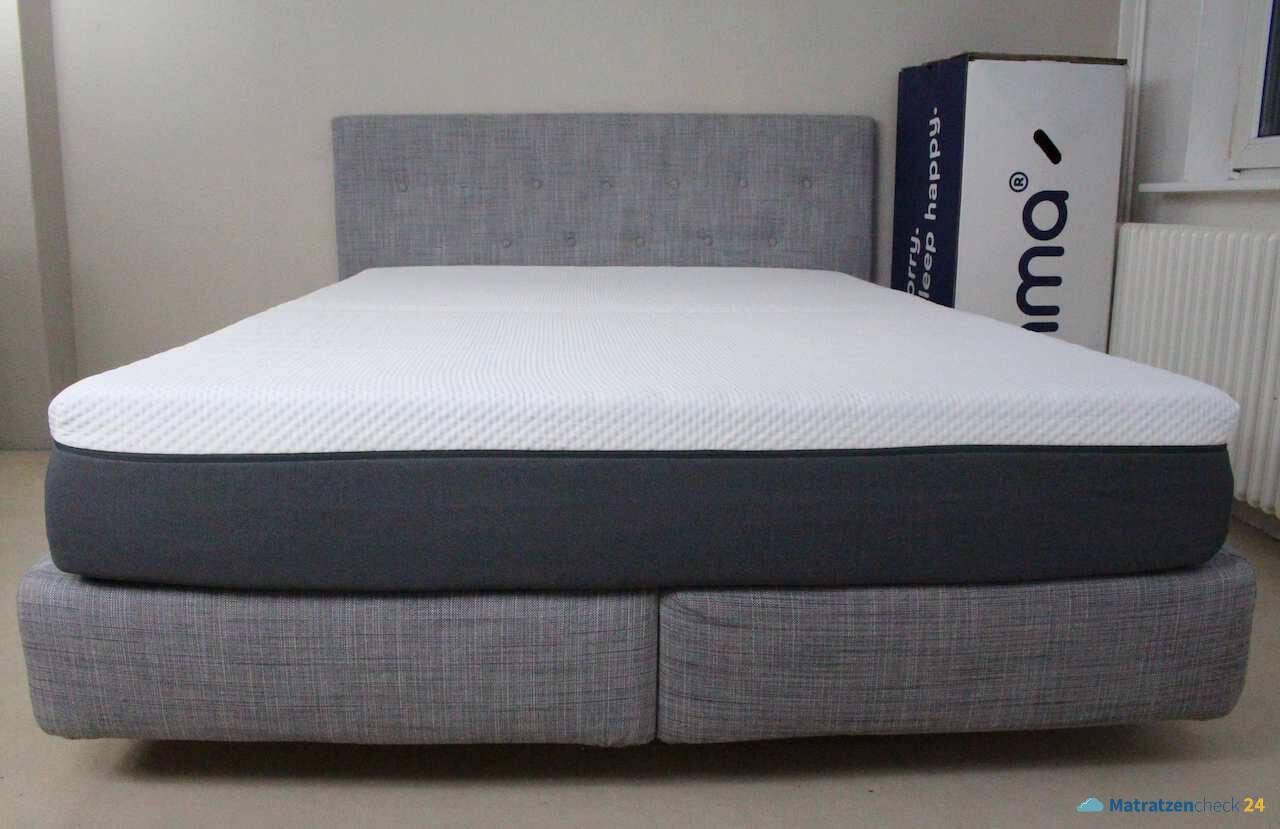 Emma Schweiz Matratze auf dem Bett