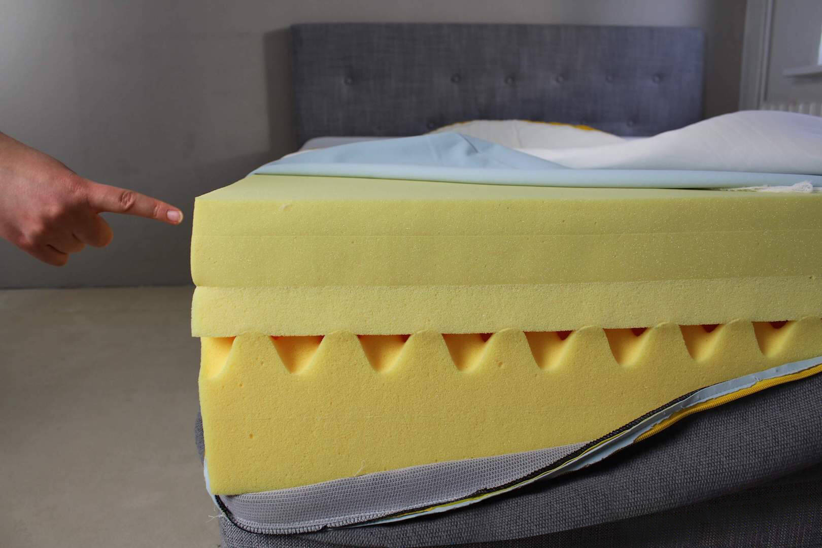 Die Schaumschicht der Matratze Sensation. Foto: © Sleep Hero