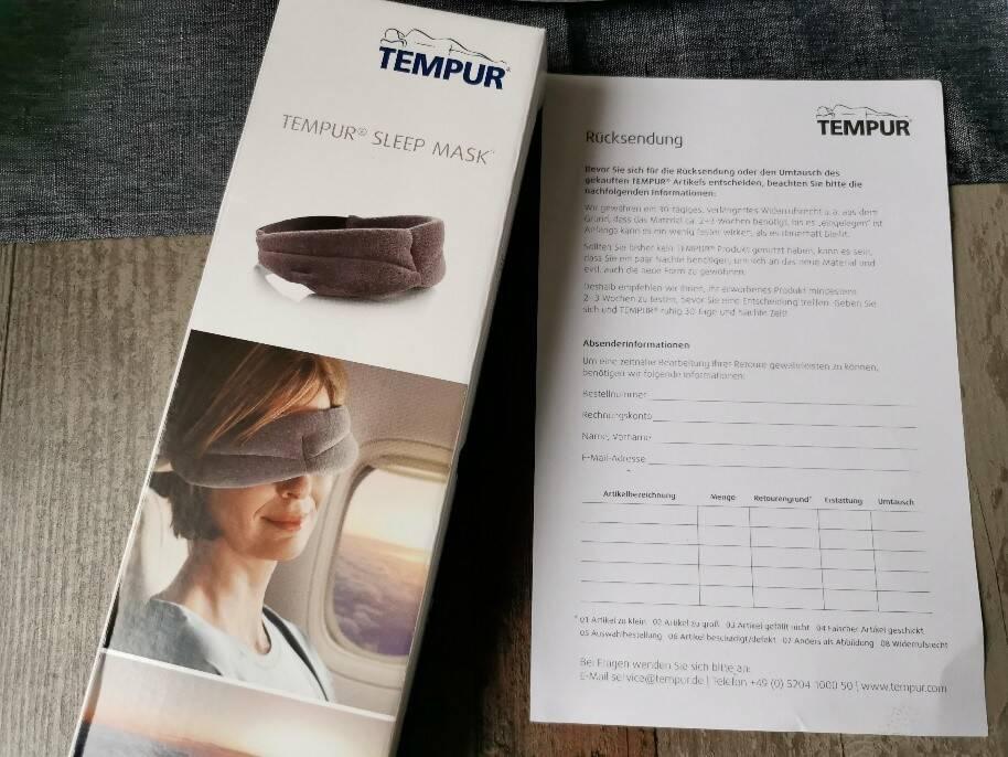 Du bekommst die Tempur Maske mit Rücksendeschein geliefert. Die Retoure ist somit für Dich kostenlos