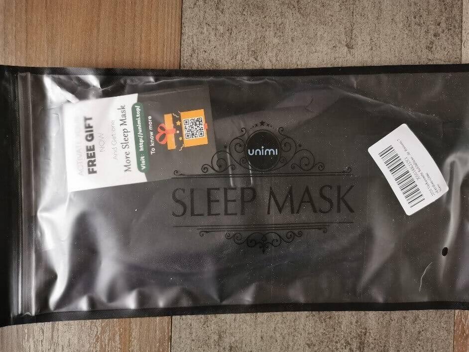Die Schlafmaske von Unimi wird in einer Schutzverpackung geliefert